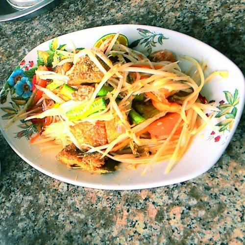 Thailand Thai Food Som Tum Thai Bangkok Spicy Hot Fruitsalad Yummy อร่อย อร่อยฝุดๆ ส้มตำปลาสลิดทอด