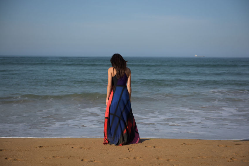 The sea, surf and beautifull lady Beach Beach Life Beachphotography Beautiful Board Body Curves  Cortez  Dress Female Female Model From My Point Of View Girl Horizon Over Water Lady Life Life Is A Beach Lifestyle Pastel Power Sport Surf Surf's Up Woman Women Women Of EyeEm WomeninBusiness