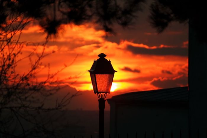 Real light versus fake light... Light Photooftheday Light Paris Montmartre Sunset #sun #clouds #skylovers #sky #nature #beautifulinnature #naturalbeauty #photography #landscape Sunset Lantern