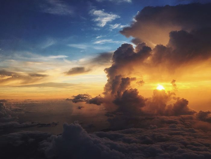 Couldn't believe that my bad day would ended with one of the most beautiful sunset moments I've ever seen. Let Exploremanilalala 2.0 trip begin! ⛅️ Eyeem Philippines Sunset Viewfrommywindow Viewfromplane Windowseat Feel The Journey Wanderlust Original Experiences 43 Golden Moments Showcase June On The Way My Year My View Miles Away Art Is Everywhere TCPM The Great Outdoors - 2017 EyeEm Awards