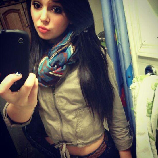 shawty a 10. Redlips Selfiee Fridaynight Hotmess  kissyface instalike
