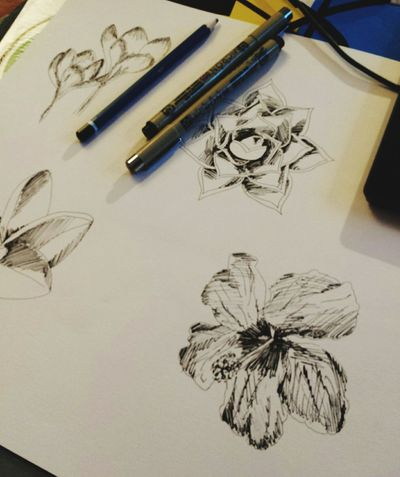 The begining 💪🌸🌺☀️ Sketch Pad Draw Flowers Manaa Art Pen Drawing ✏ Beginner Artist The First Time