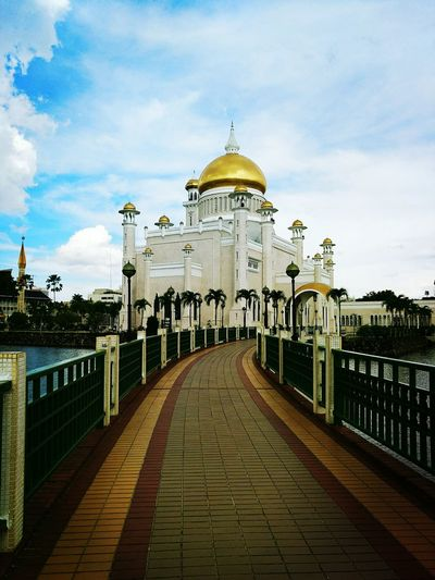 Dome Cloud - Sky Sky Architecture Travel Destinations History Gold Colored Outdoors Built Structure Politics And Government No People Building Exterior Day Mycountrybrunei Brunei Darussalam Photograph Architecture Scenics