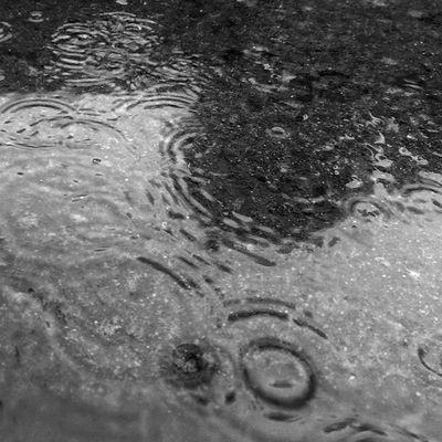 I live for rainy days Cityofcapetown Rainycapetown Winterincapetown Igerscapetown Winter Reflections