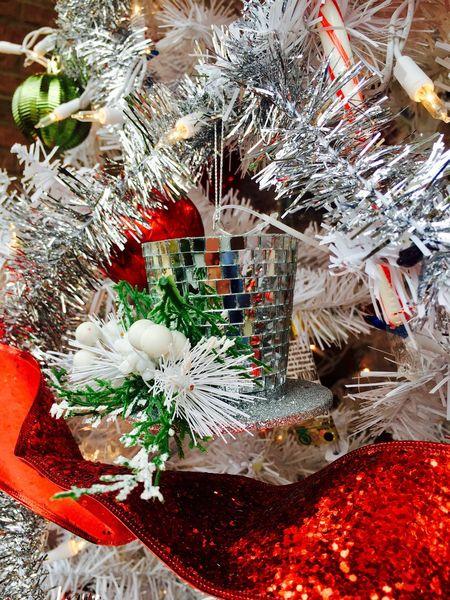 Merry Christmas to everyone!🎄❄️☃️🎁 Christmas Ornament Christmas Lights Christmas Tree Christmas Decoration Ornaments Merry Christmas Close-up