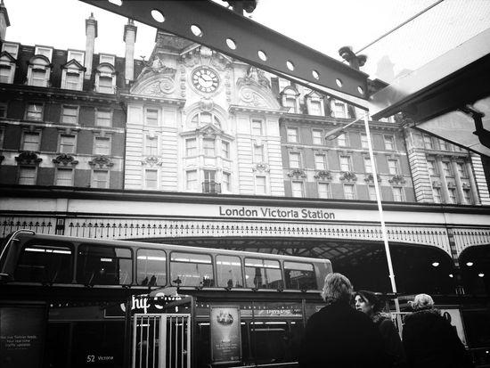 journey to work london victoria