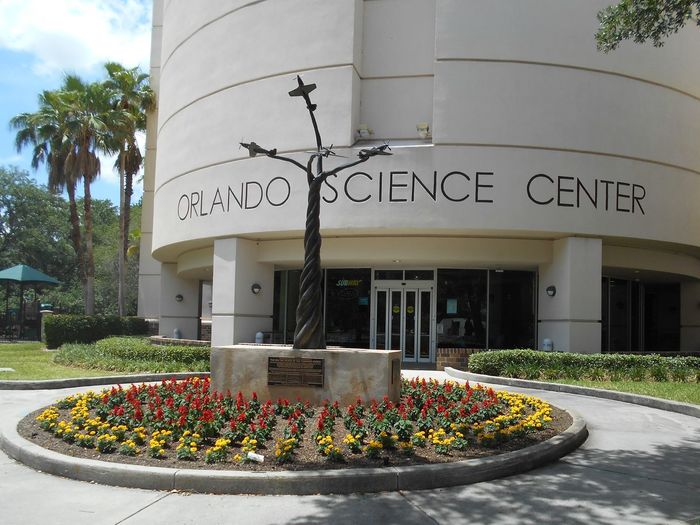 Orlando Science Center Futuristic Modern Orlando Orlando Science Center Orlando, Florida Statue Susan A. Case Sabir Unretouched Photography Day Landmark Building Modern Attraction Nature No People Open To The Public Outdoors Science Museum  Sky Technology Tree