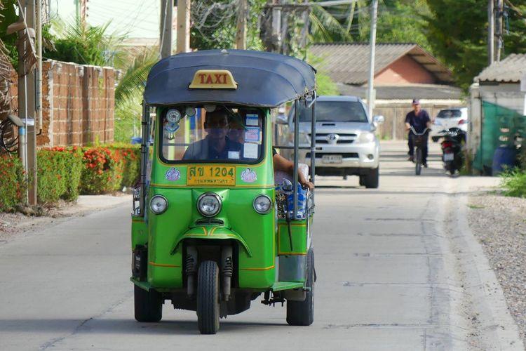 Thai Taxi Tuk Tuk (รถตุ๊ก ตุุ๊ก) Adult Adults Only City City Street Day Outdoors People Street Tuk Tuk Tuk Tuk ,taxi Thailand ,tuk Tuk Thai Style ,nonthaburi Tuk Tuk Bangkok Dangerous Tuk Tuk Cambodia Tuk Tuk Driver Tuk Tuk In Bangkok Tuk Tuk In Phnompenh Tuk Tuk Thailand