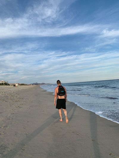 EyeEm Selects Sea Beach Water Land Full Length Sky Horizon Over Water