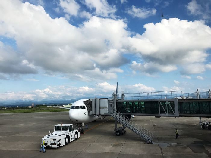Cloud - Sky Airport Transportation Sky Travel Airplane Day Journey Architecture Travel Japan Photography Travel Photography No People Mode Of Transport Airport Runway