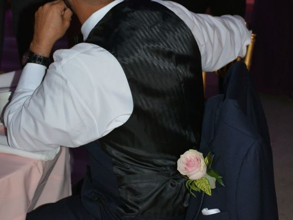 wedding groomsman One Person Flower Adult One Man Only Formal Wear Formal Attire Groomsmen Male Wedding Groomsman Boutonniere Flower Boutonniere Pink People Bestman Best Man Wedding Reception Wedding Flowers Wedding Flower Lifestyles Indoors  Wedding Detail Rose - Flower Pink Color Pink Rose