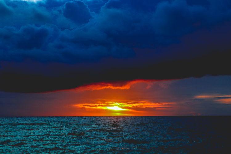 sunset at Hinugtan Beach, Buruanga, aklan #Canon #beachlife #photography #sunset Buruanga Nature Philippines Aklan Beach Beachphotography Beauty In Nature Hinugtanbeach Horizon Over Water Ocean Outdoors Scenics Sea Sky Sun Water EyEmNewHere EyeEmNewHere Perspectives On Nature