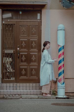 Fashion Streetphotography Colors Funny Fun Females Building Exterior Door Casual Clothing Real People Side View Girls Lifestyles Adult The Fashion Photographer - 2018 EyeEm Awards