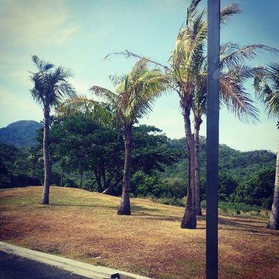 Pico de Loro na! Wooo! FINALLY! ????❤ @refinnejlacsamanabaes @albertmacalintal @frederickmacalintal Summerescape2013