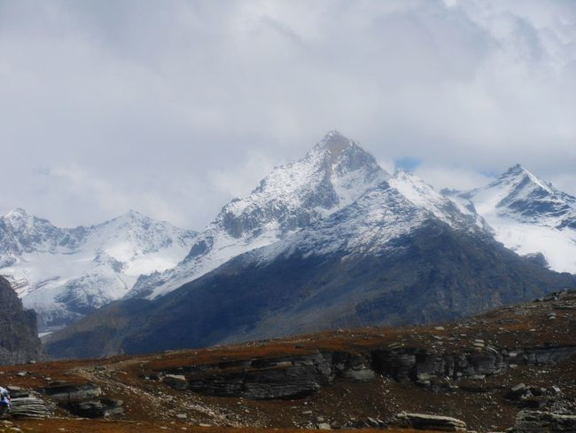 A view of the greater Himalayas from Rohtang Pass, Manali Mountain Snow Mountain Range Winter Cold Temperature No People Scenics Snowcapped Mountain Beauty In Nature Landscape