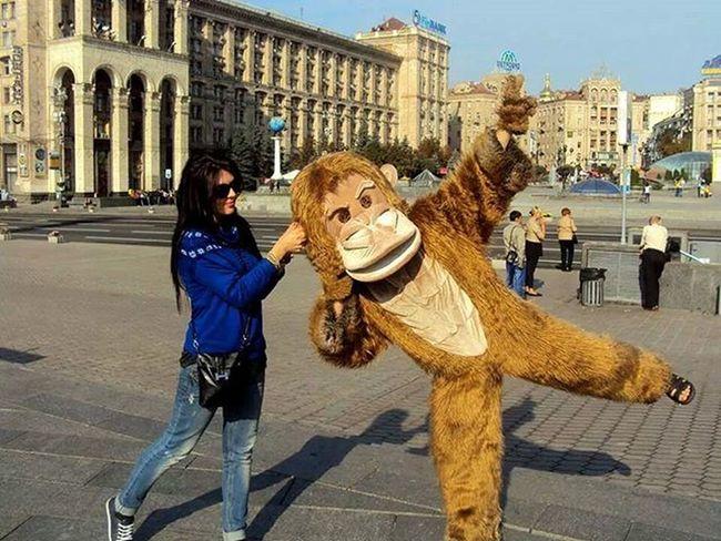Catching a monkey MeAndSis Kiev Centerofkiev Catchingmonkeys Monkey Monkeybusiness  Adventure Gangsta