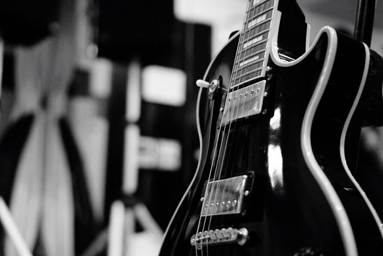 Guitar Playing Guitar Lespaul Lespaulcustom Music Nomusicnolife Blackandwhite Musicstudio
