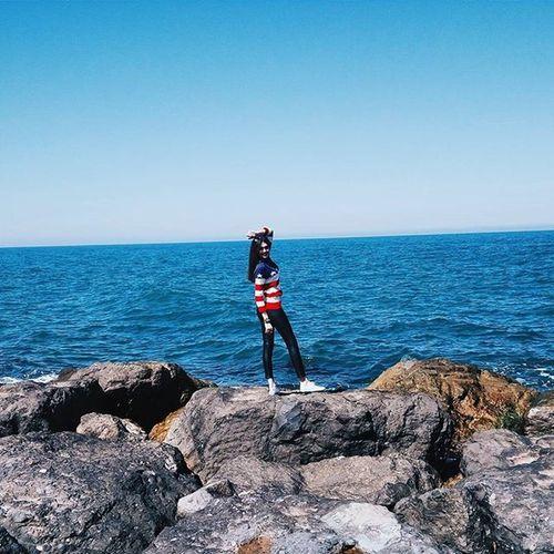 Последний день видела море,я буду скучать,впереди 3 рабочих дня и перелет домой Надеюсь в скором времени я увижу его снова😍 ведь это моя страсть🌊Turkey Samsun Sea Black Sea Me Relax Holiday Work Fashion Blogger Like4like Follow4follow Sunny Good Day American Flag