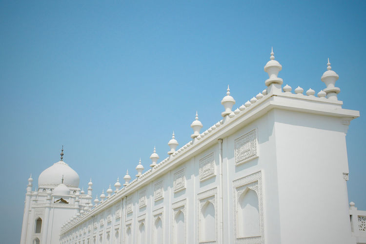 Hui Mosque in Ningxia,ChinaArchitecture Blue Built Structure Clear Sky Day Dome Low Angle View Mosque Outdoors Place Of Worship Religion Spirituality The Architect - 2016 EyeEm Awards Travel Destinations White Hidden Gems  Colors and patterns Minimalist Architecture