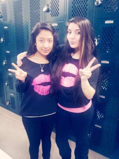 Besties Twining Kisses Pinkandblack