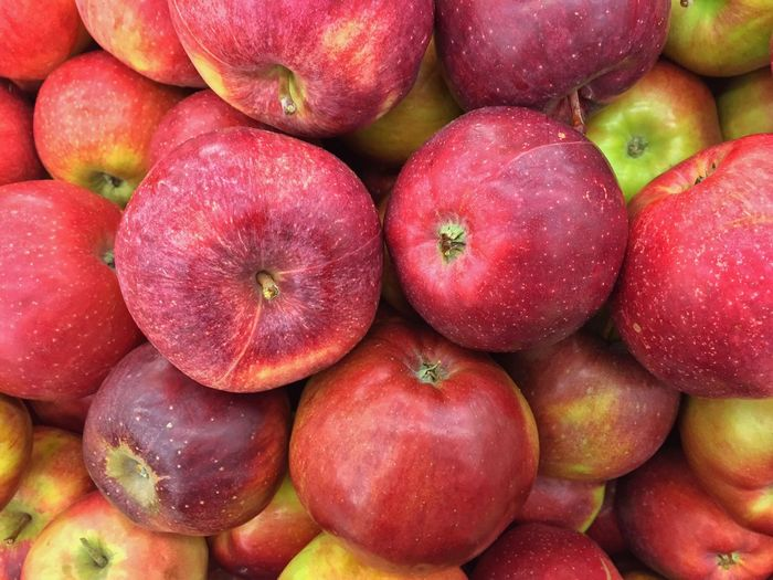 Healthy Eating Fruit Freshness Red Full Frame Retail  Food Large Group Of Objects No People Backgrounds Close-up Pink Color Market Day Outdoors Nature Consumerism Apple Apples Apple - Fruit