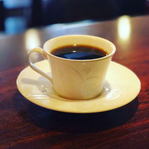 おはようございます! いい天気の月曜日です。 今週も始まりました。 頑張っていきましょうね。 昨日は、震災の日でした。 様々な思いがあると思います。 忘れてはいけませんね。 本日もアルバーマーはオープンです。 美味しいコーヒー淹れてますよ〜! ぜひ来て下さいねー(^ω^) アルバーマー 住所・高槻市城北町2-10-20-103 電話番号・072-672-1900 Alvamar アルバーマー 高槻市 高槻カフェ 高槻 Drink Indoors  Refreshment Food And Drink Table Saucer Coffee Cup