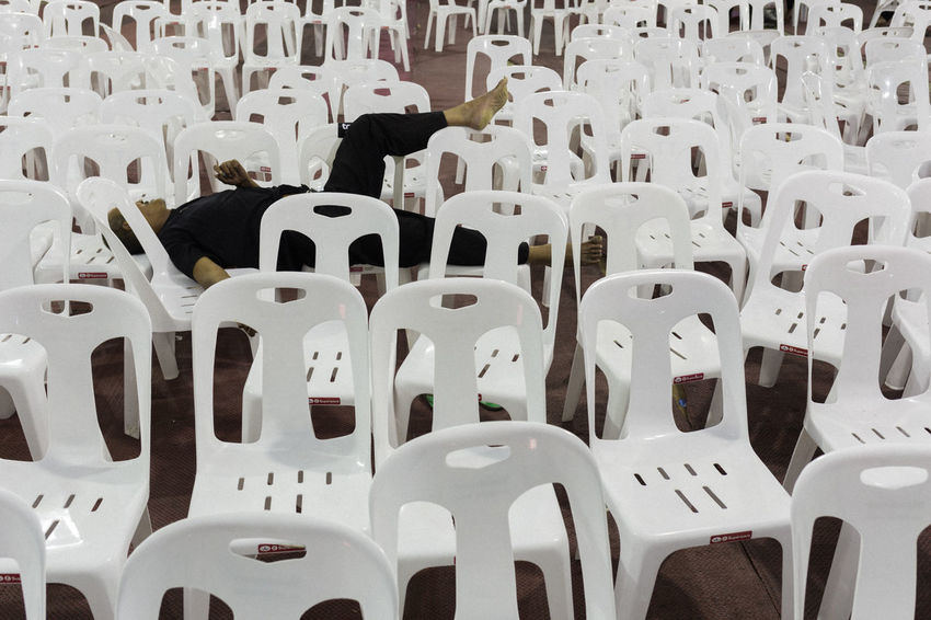 Black And White Chairs Cliche Everybodystreet Indoor Repeating Patterns Sleeping Streetphotography Streetstyle The Street Photographer - 2017 EyeEm Awards