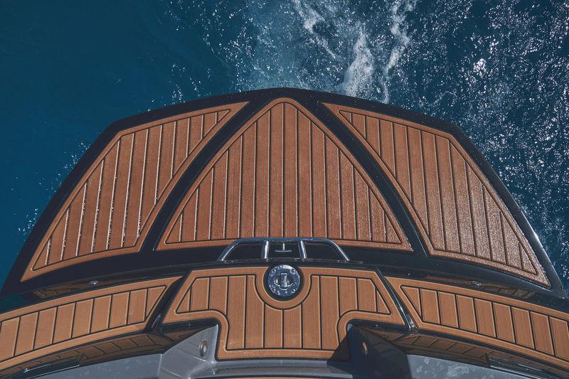 Wakesurf boat