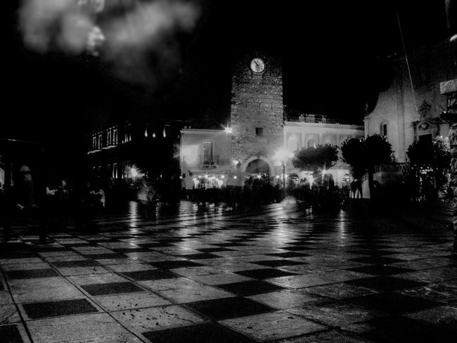 B/n Bianco E Nero Blackandwhite Canon Italia Lights Luci Movida Night Ninofogliani58 Notturno Outdoors Phototography Sicily Square Taormina