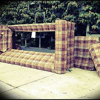 Street Couch 015 brought to you by the tasteful eye of @byrnesy