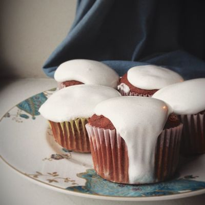 {instagram post} cocoa cupcakes with marshmallow frosting #food #photography #lasttreatbeforediet #cupcake Food Cupcake Photography Lasttreatbeforediet