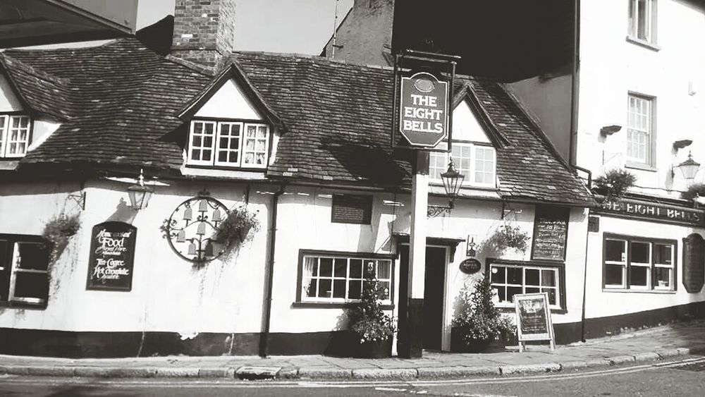 The eight bells pub Historical Building Old Buildings Public House