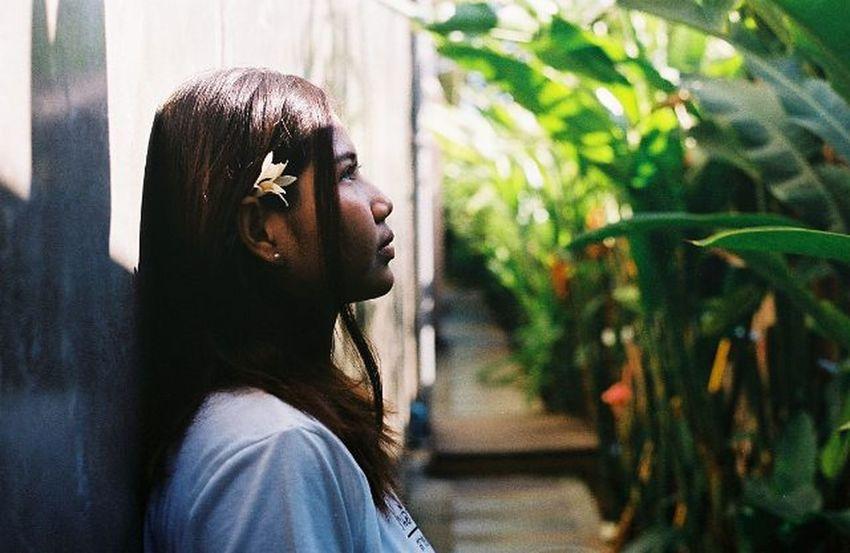ไม่อยากให้ใคร สมน้ำหน้า ว่า เป็นคน ไม่มีน้ำยา ไม่อยากให้ใคร เขาดูถูก เยี่ยงสุนัข แหงนมองเครื่องบิน Thaigirl Film135mm Film135 Filmphoto Filmphotography Analogphotography Analog Film Ishootfilm Iusefilm Filmisnotdead Filmcommunity Brlieveinfilm Om2n Olympusom2n Olympus Filmcamera Kodak Kodak_photo Kodakfilm Kodakgold Kodakgold200 Shoot Film Shootfilmnotmegapixels Buyfilmnotmegapixels
