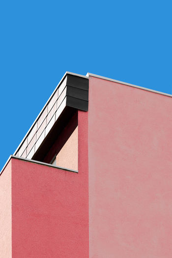 Minimalist Photography in the City. Streetstyle Minimalist Architecture