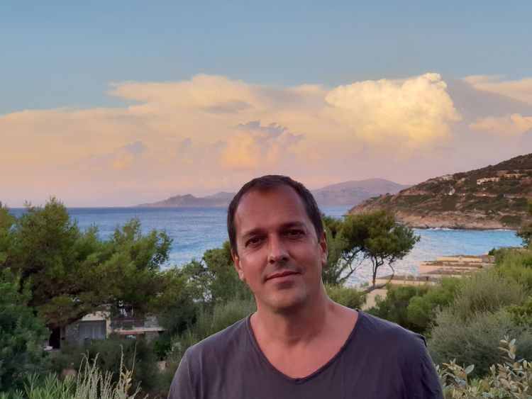 me Corsica Portrait Men Looking At Camera Headshot Standing Front View Water Smiling Sky Tranquil Scene Calm Sunset Idyllic