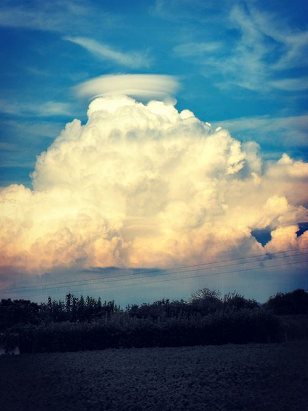 Cloud - Sky Sky Nature Tranquility Italia Beauty In Nature Clouds Clouds And Sky Halo White Fleecy Clouds