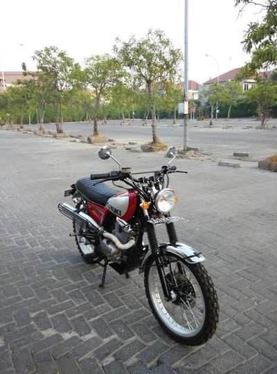 Old Skool Customized Dirt Bike Scrambler Streettracker  Kustomkulture Bratstyle Custommade Ontheroad Kustomkultureindonesia
