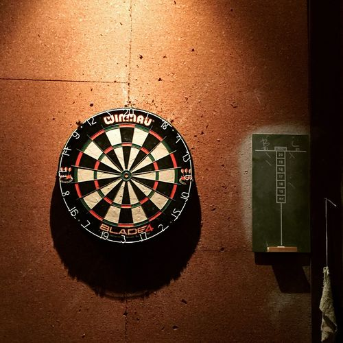 Cricket anyone? Fun Thursday night hanging with one of my best friends. EyeEm Best Shots Bestfriend Darts Happy Hour Cricket Beers Games