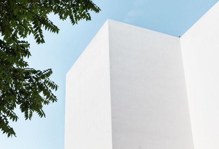 Minimalist Architecture Façade Geometric Architecture Modern Architecture Urban Exploration Urban Geometry Architecture Building Exterior Built Structure Clear Sky Lines And Shapes Low Angle View Minimal Minimalism Minimalobsession Outdoors Urban Landscape Wall - Building Feature White Colour Your Horizn