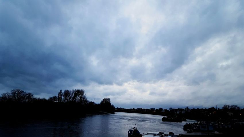 Afternoon Cloudy Sky Beautiful Nature LONDON❤ The River Thames EyeEm Nature Lover December