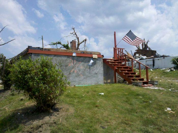 Tornado aftermath 05-31-11