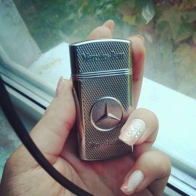 Mercedes Benz классная жига зажигалкаприкарманилаточнееподарили))