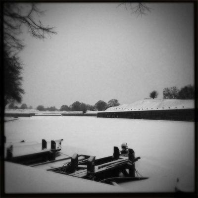 Zicht vanaf de Korte Bedekteweg Sneeuw Winter Naarden IJS Hipstamatic Loftus BlacKeysSuperGrain