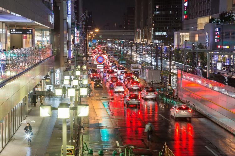 雨の天王寺 Rainy Night Nightphotography OSAKA Japan Streetphotography City Illuminated High Angle View Architecture Traffic Vehicle Stoplight Red Light Traffic Light  Signal Green Light Road Signal Tail Light Vehicle Light Cityscape