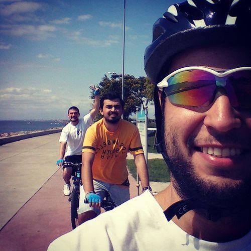 3 kişilik geniş pelotonumuzla ilk sürüş, hafif tempoda total 50 km, 16 km\h ortalama. iyi başlangıç. Lads Velo Cycling SaturdayRide shutuplegs