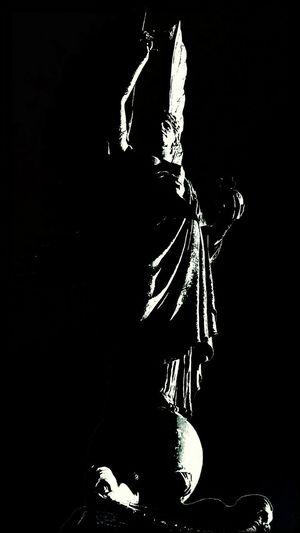 Statue Peace Black&white