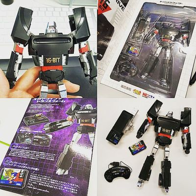 How awesome is this?😲 Segamegatron! Comes with sonic and Lil joy pad.... Sega Transformers Cool Robot Collectable Optimusprime Megadrive Gaming Console Toy Game Gamer Oldschool Figurine  Black Amazing