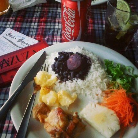 Oooiii almoço (: Chaogoiano almoçar ao ao som de MPB não tem preço ! MPB Brasil Food comida daia anapolis calor papaidrogado suplementomuitoloco alucinogeno little free bird . i TRY