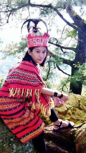 Striking Fashion Igorot Native Costume Philippines Itsmorefuninthephilippines It was so good wearing this costume. It was an honor to have experienced a part of their culture and tradition. Photo taken on a city on a mountain.