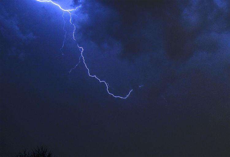 Lightning Bolt Crestline Ohio Clouds And Sky Moody Sky Cool